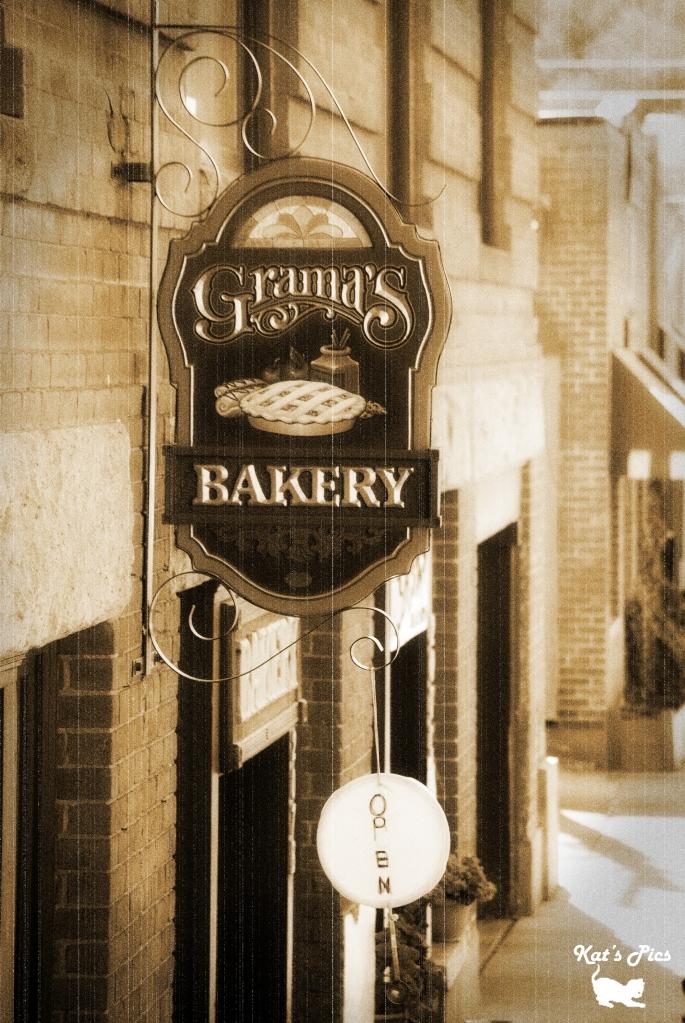Katheryn Navas: Old West Bakery